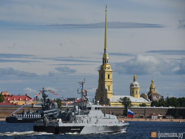 В Петербурге прошла очередная репетиция парада ко Дню ВМФ