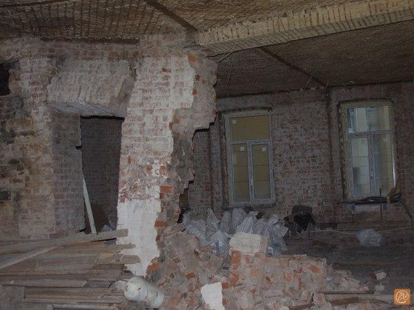 Вызвавшие обрушение на Каменноостровском квартиры стоят на балансе районного ГУЖА