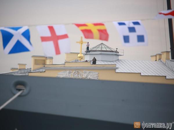 Репетиция Главного военно-морского парада развела мосты