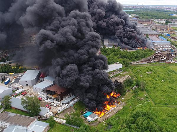 Пожар в Металлострое локализован. Ищут причины возгорания