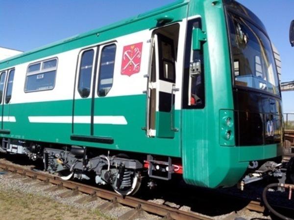 Метрополитен Петербурга получил очередной зеленый состав