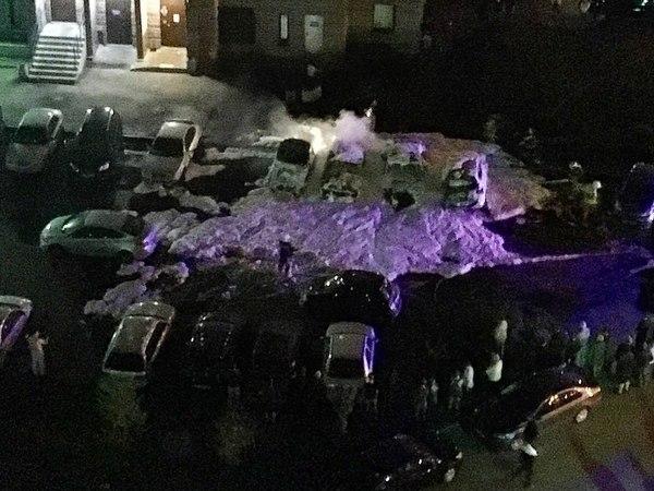 Массовый автопожар на Туристской изменил машину до неузнаваемости