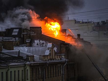 В доме на Чайковского после пожара придется перекрывать крышу