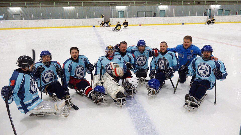 Петербургская команда по следж-хоккею одержала первую победу (Иллюстрация 1 из 1) (Фото: БФ