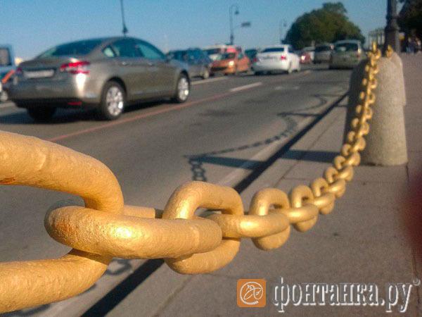 «Златая цепь» возле Медного всадника оскорбила чувства петербуржцев