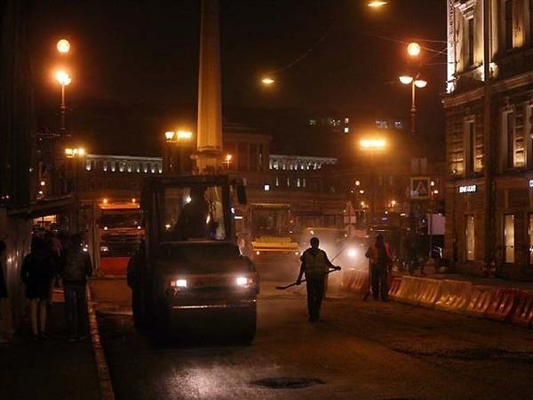 ГИБДД и петербургским дорожникам удалось справиться с пробкой в центре