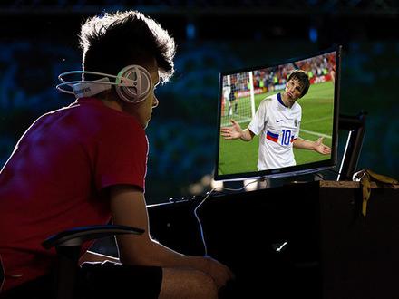 Футбольные клубы выталкивают в киберпространство