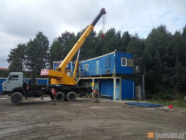 В Коломягах сносят бетонный завод