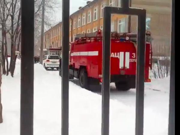 В результате нападения на школу в Перми пострадали восемь учеников и учитель