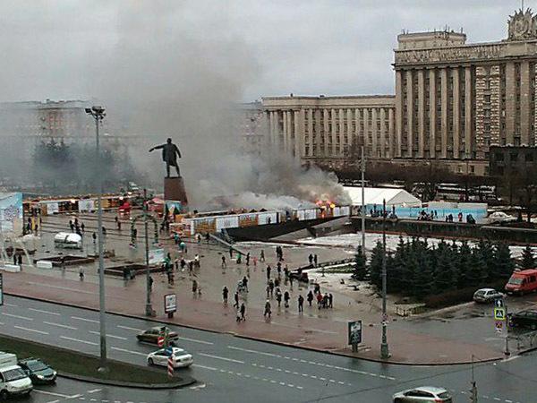 На Московской площади  загорелась новогодняя ярмарка