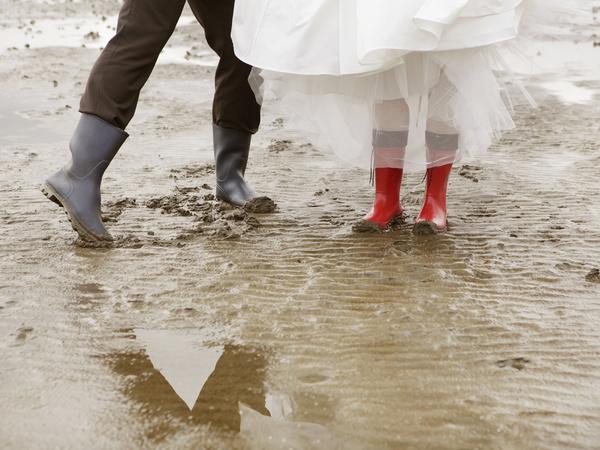 Догонит ли гражданский брак официальный