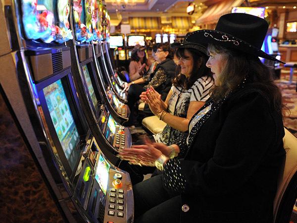 Смольный предложил вложиться в плавучее казино