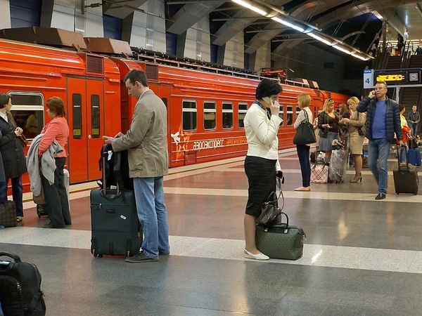 Аэроэкспресс от Пулково до Петербурга снова на запасном пути. РЖД просят притормозить