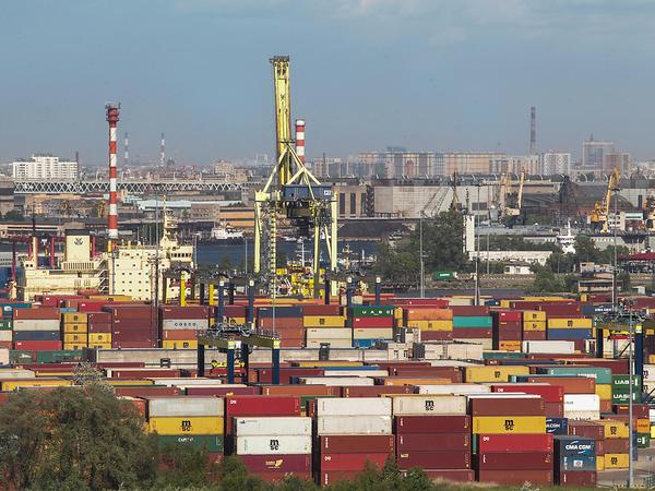 Строители объявили войну стивидору. Они собираются доказать, что ОАО «Морской порт Санкт-Петербург» меняет правила во время игры