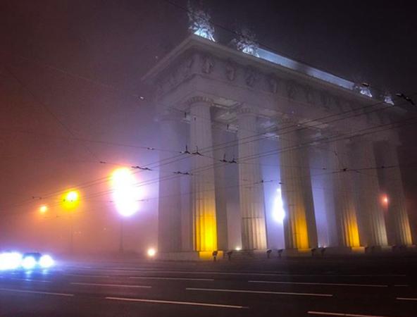 Город, которого нет: в Петербург пришел сезон туманов