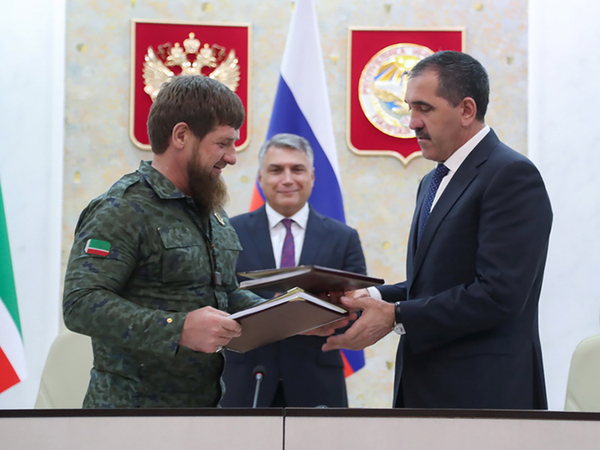 «Какой народ, такие и бояре». Кремль предложил участникам протеста против договора между Ингушетией и Чечней идти в суд