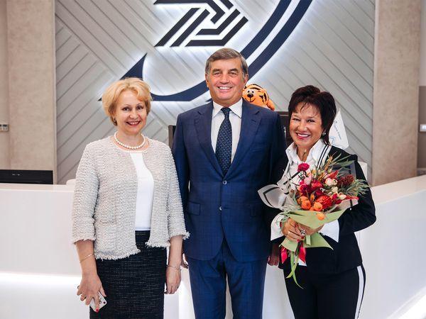 В Группе «Эталон» поздравили 8000-го покупателя с начала 2018 года