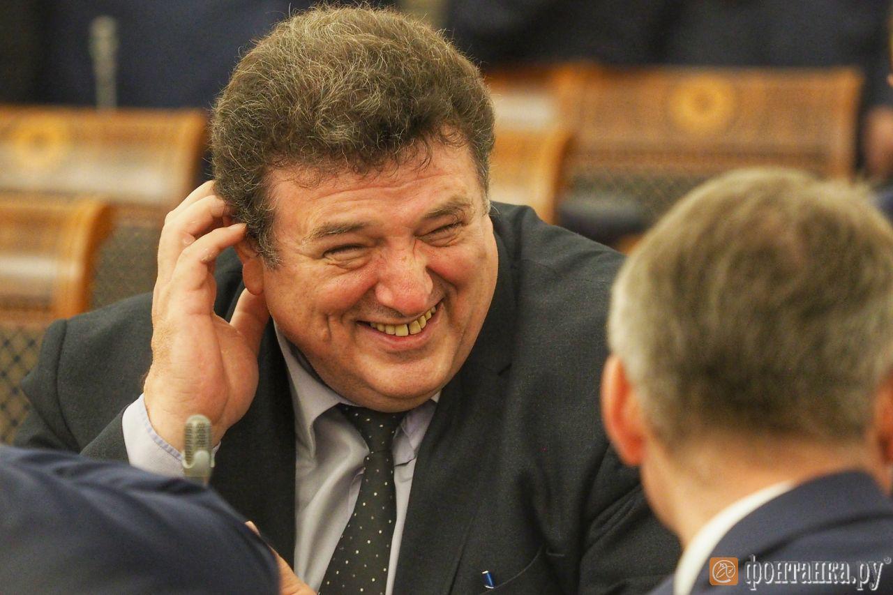 Глава Администрации Фрунзенского района Петербурга Валерий Сапожников