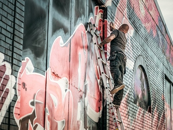 Осторожно, закрашено. Можно ли в Петербурге граффити легализовать