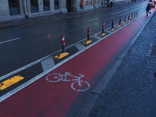 От окраины не к центру: Смольному предложили развивать велодорожки в районах, а не рисовать лучи через город