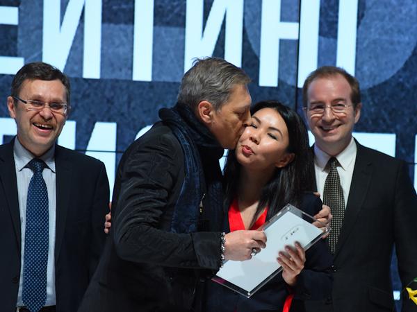 Представитель «Газпром нефти» оказался влиятельнее журналистов и политтехнологов