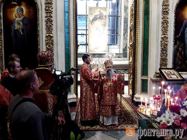 «Наш храм — пока это музей». Митрополит Варсонофий освятил придел святой Екатерины