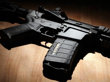 Объясняем принцип превращения винтовки в автомат на пальцах