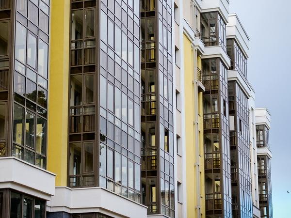 Где и для кого в Петербурге строят жилье рядом с метро
