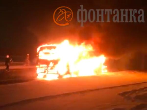 В Купчино сгорел пассажирский автобус