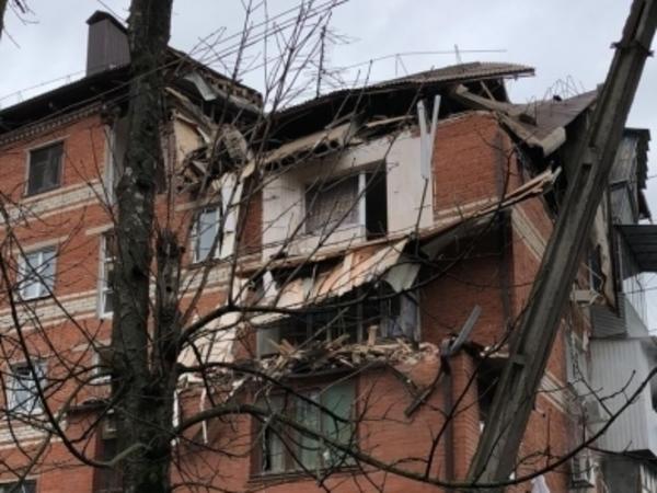 Взрыв газа разрушил стену жилого дома в Краснодаре: семеро пострадавших