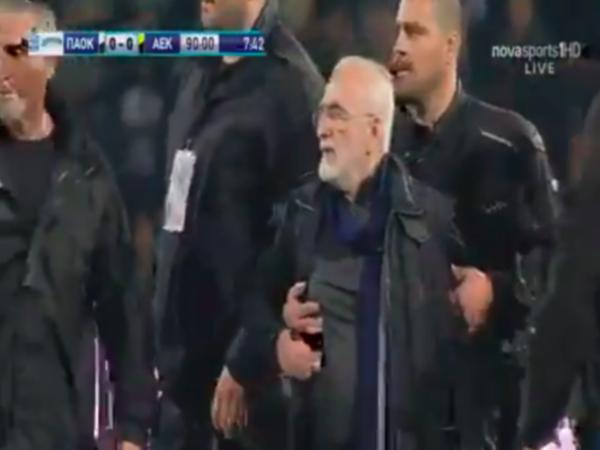 Российский бизнесмен с оружием прервал футбольный матч в Греции