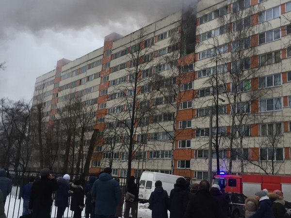 Три человека пострадали при взрыве на Народного Ополчения