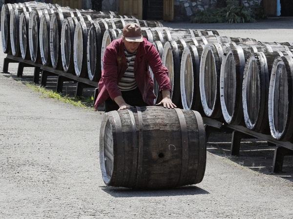 Ретейлеры сливают российское вино