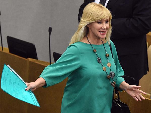 Депутат Оксана Пушкина: Нашим мужчинам легче с «рыбками»