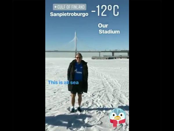 Манчини гуляет в шортах по замерзшей Малой Невке
