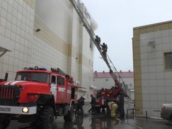 Погибших при пожаре в Кемерово уже 7, пропавших без вести больше 30