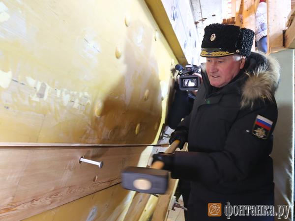 Исторический корабль «Полтава» готовится к спуску на воду