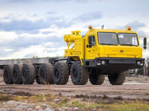 «Алмаз-Антей» покажет внедорожный тягач БАЗ для нефтяников
