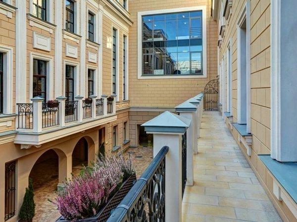 Цены на квартиры в доме из расследования Навального упали на треть
