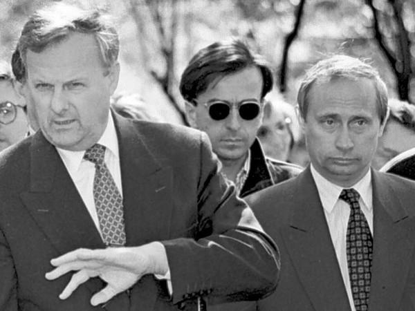 «Конечно, предал»: о чем рассказал Владимир Путин в фильме о Собчаке