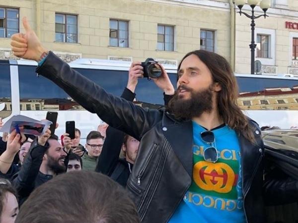 Джаред Лето спел наулице вПетербурге
