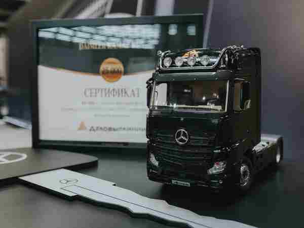 Юбилейный Mercedes-Benz из Набережных Челнов попал в автопарк «Деловых Линий»
