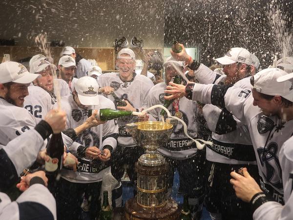 «Динамо СПб»: От рекордов на льду к безумию в раздевалке