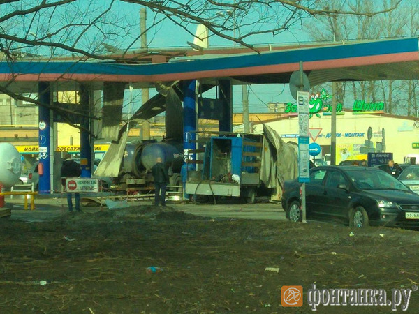 На АЗС «Линос» на Ириновском произошёл взрыв