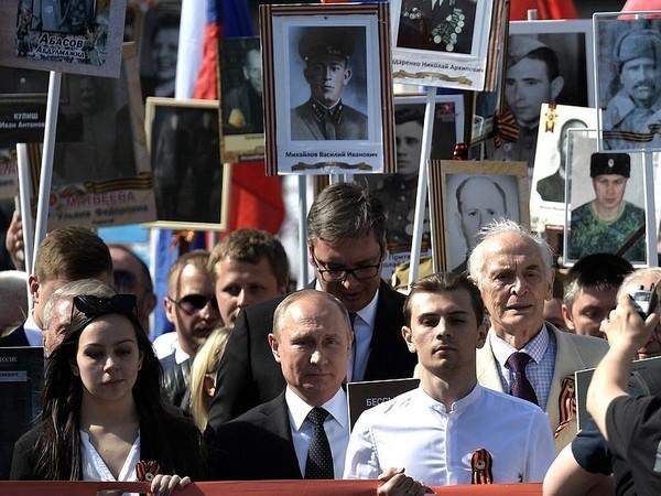 Израиль ударил по Сирии с ведома России: «Бессмертный полк» как метод дипломатии