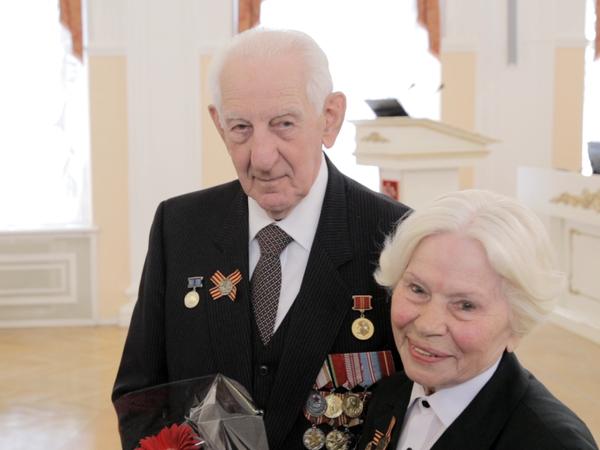 6 ветеранов получили квартиры в домах СК «Дальпитерстрой»