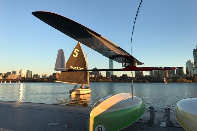 В США создали робота-альбатроса, который летает и плавает (Иллюстрация 1 из 1) (Фото: news.mit.edu)