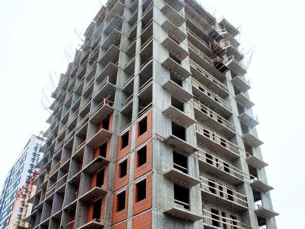 В ЖК «Полис на Неве» возводят 16 этаж
