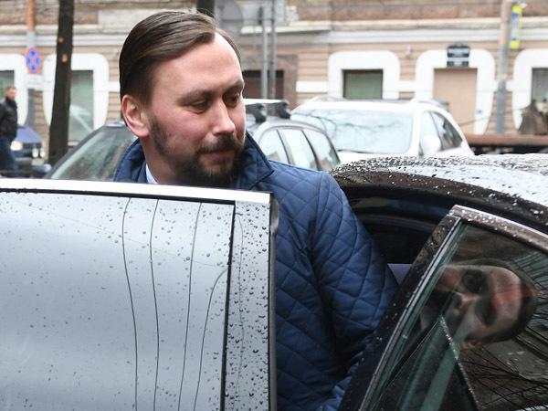 Круиз Андрея Мушкарева в Смольном окончен