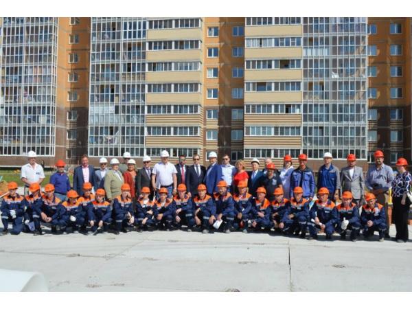 Каменщик «Строительного треста» - лучший в Ленинградской области